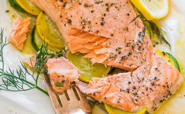 [PCOS Food Friday] Lemon Dill Salmon with Vegetables in Parchment